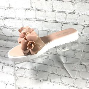 Nine West beige sandal slides